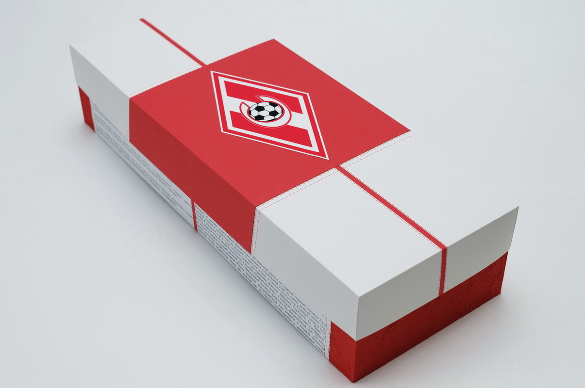 подарочная коробка с символикой спартак