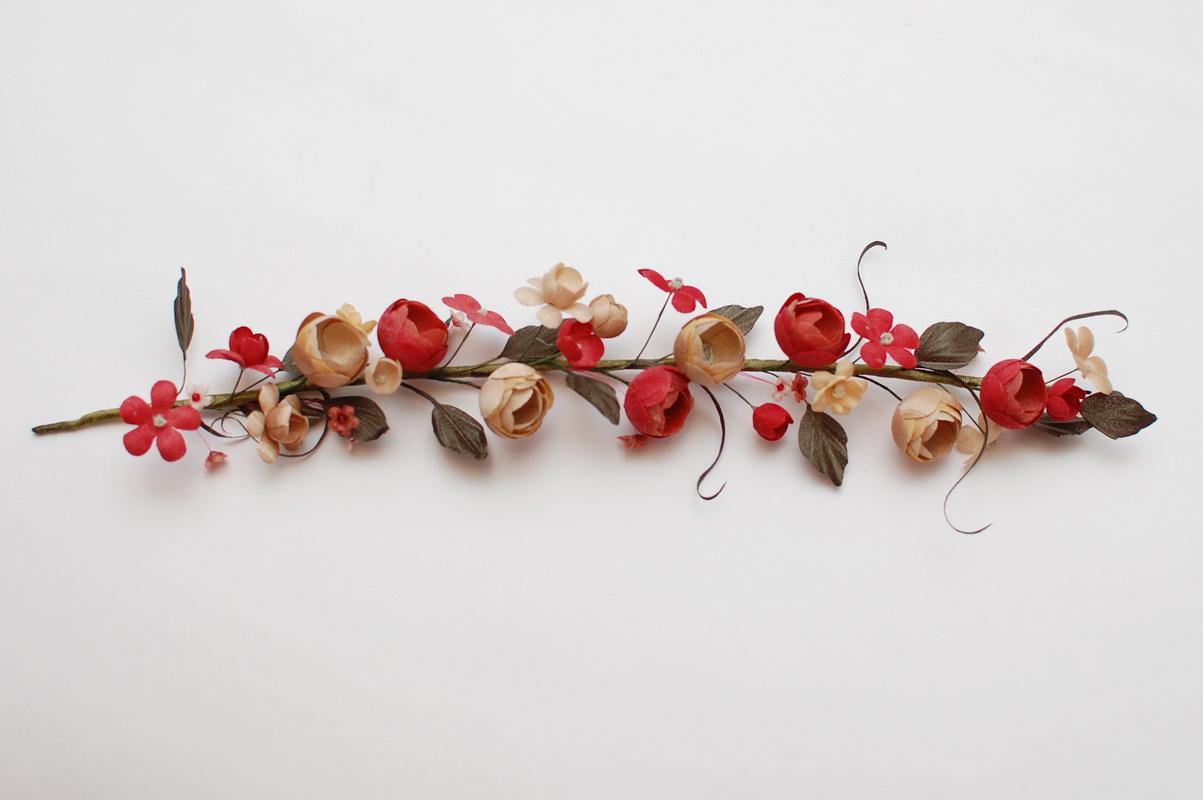 цветы из ткани на ветке