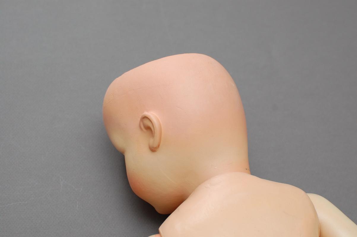 немецкая композитная кукла 39