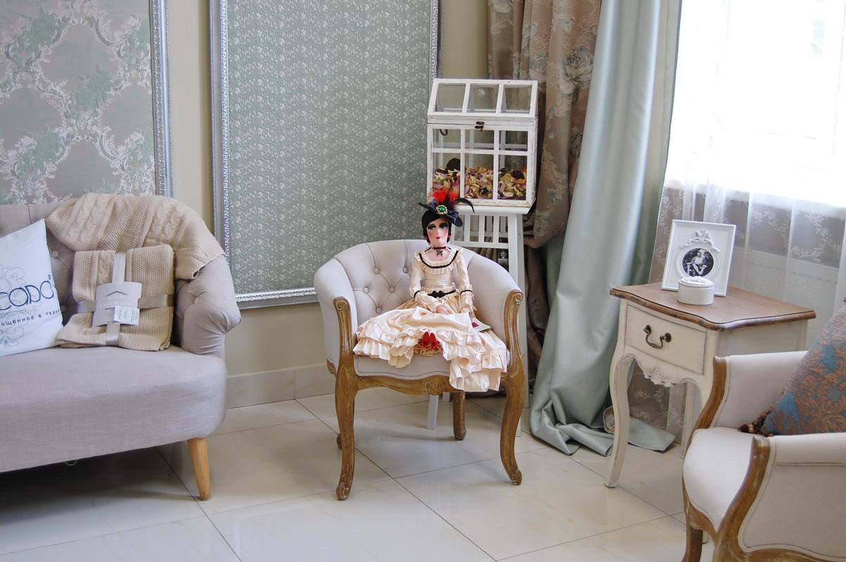 фото авторской будуарной куклы в кресле