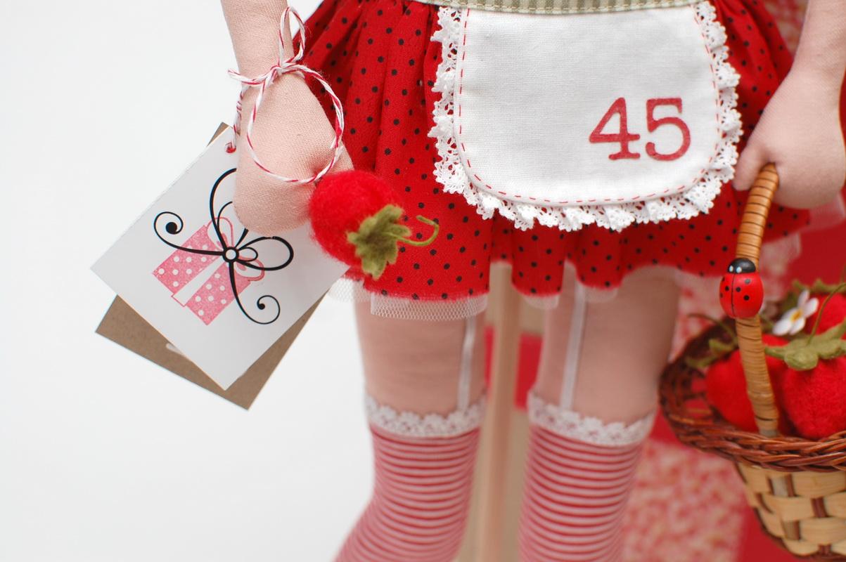 текстильная кукла Василиса Клубничкина 17