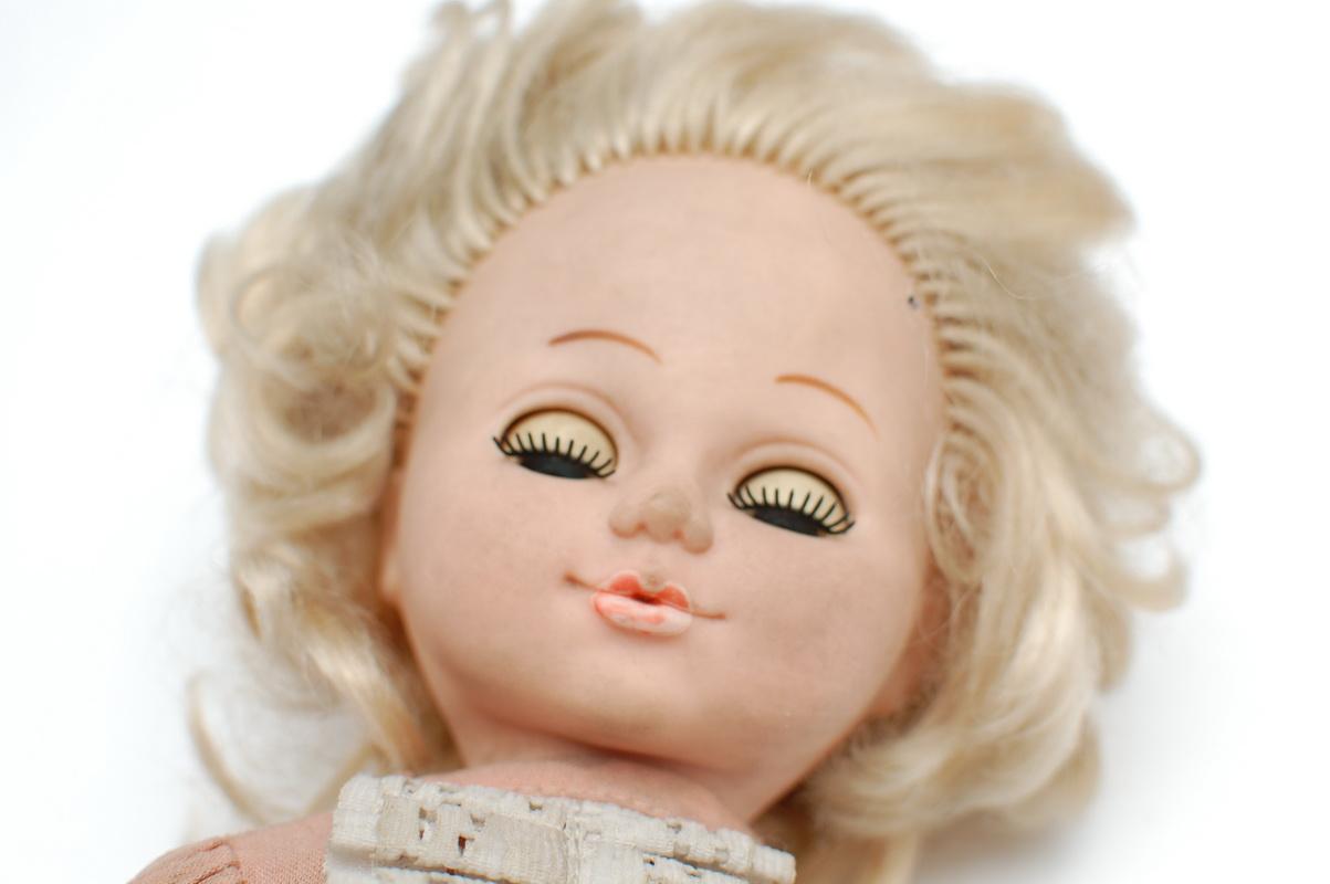 голова резиновой советской куклы
