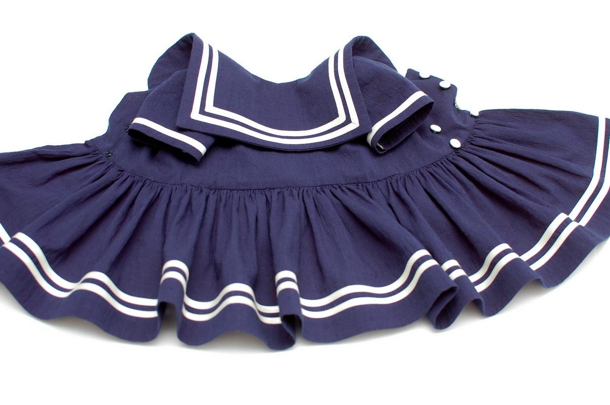 платье для куклы в морском стиле