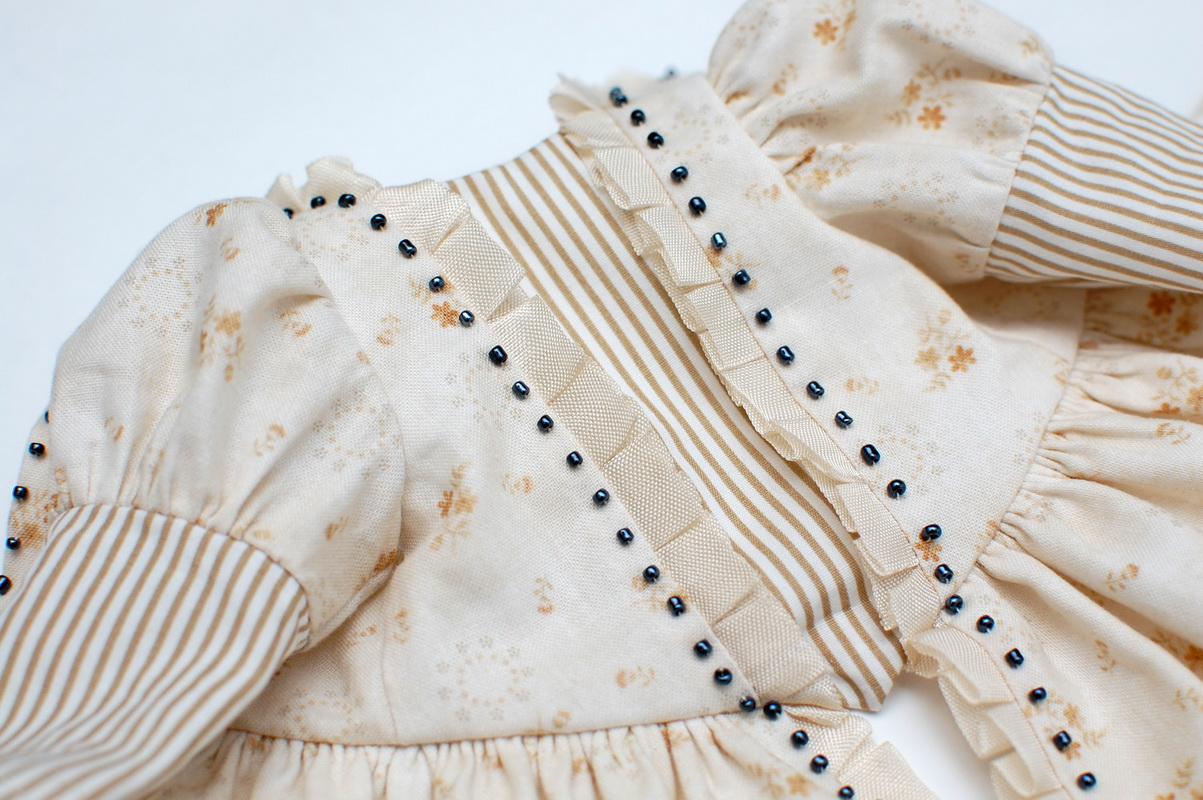 элемент платья для куклы