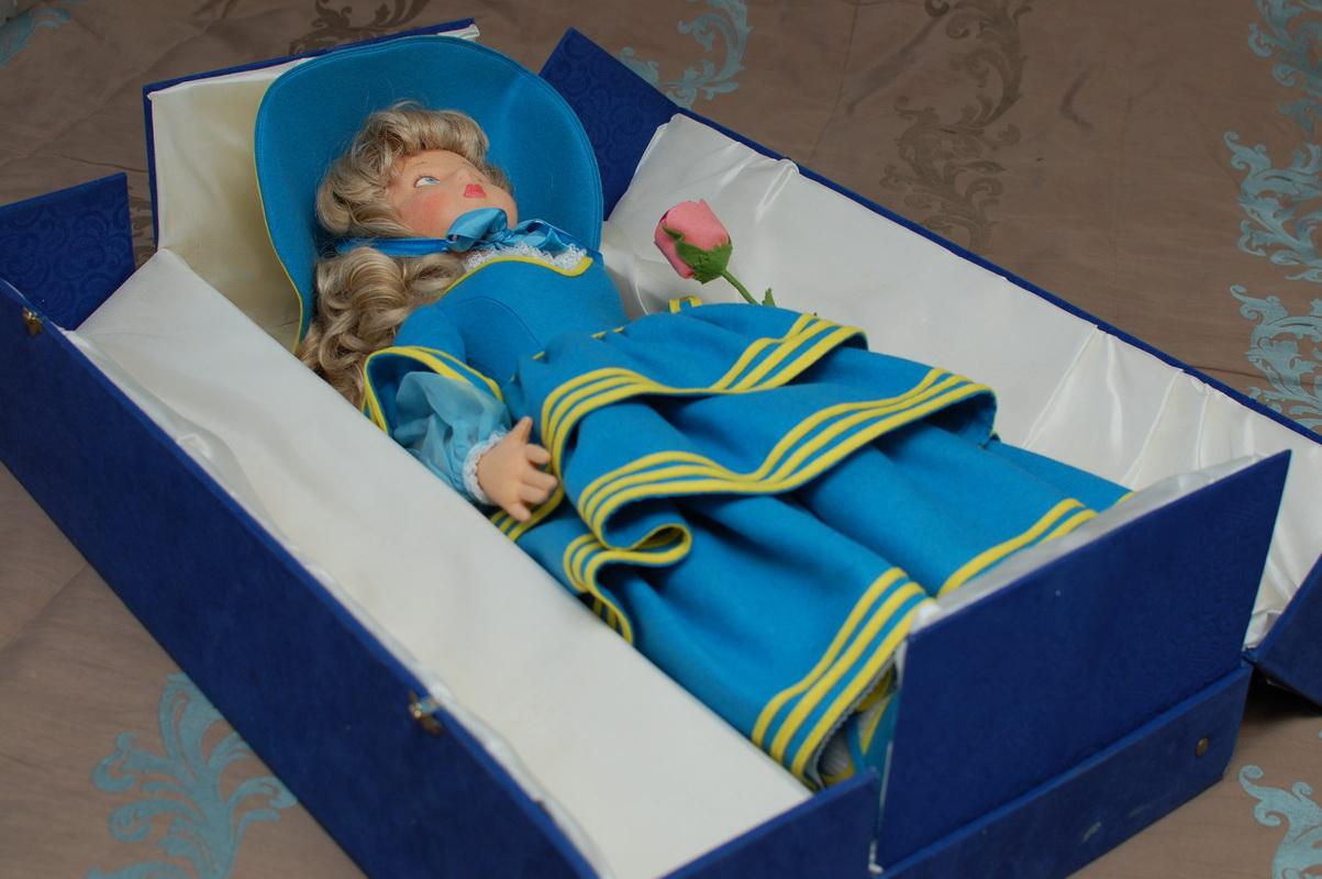 фото куклы Ленчи в коробке
