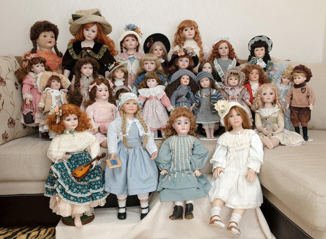 коллекция фарфоровых кукол