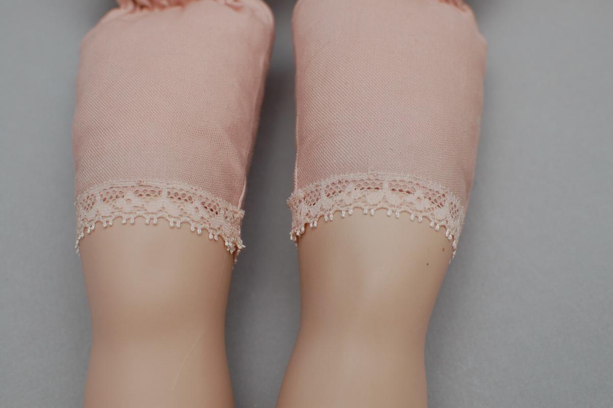 ноги с кружевом