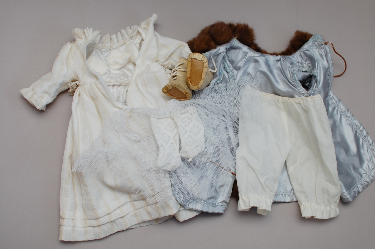 старая кукольная одежда
