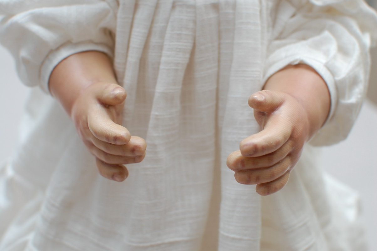 руки куклы из ткани