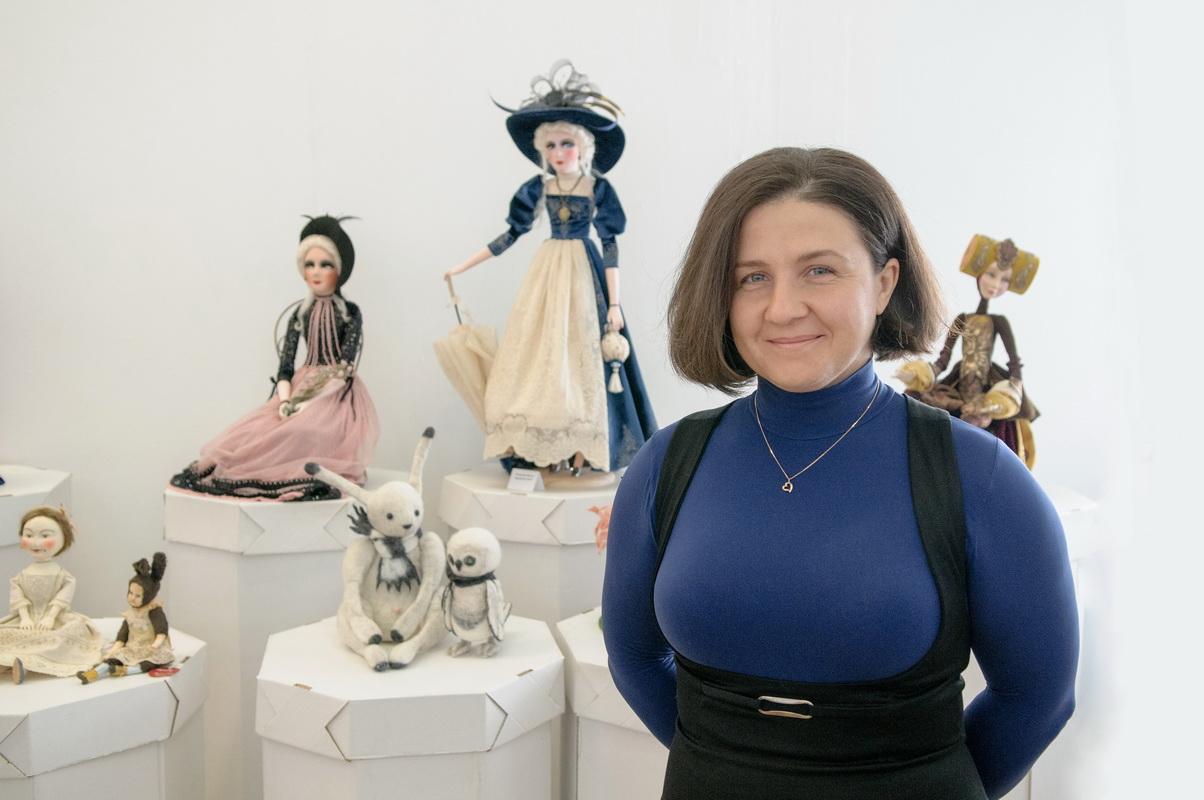 фотография с кукольной выставки 20+20