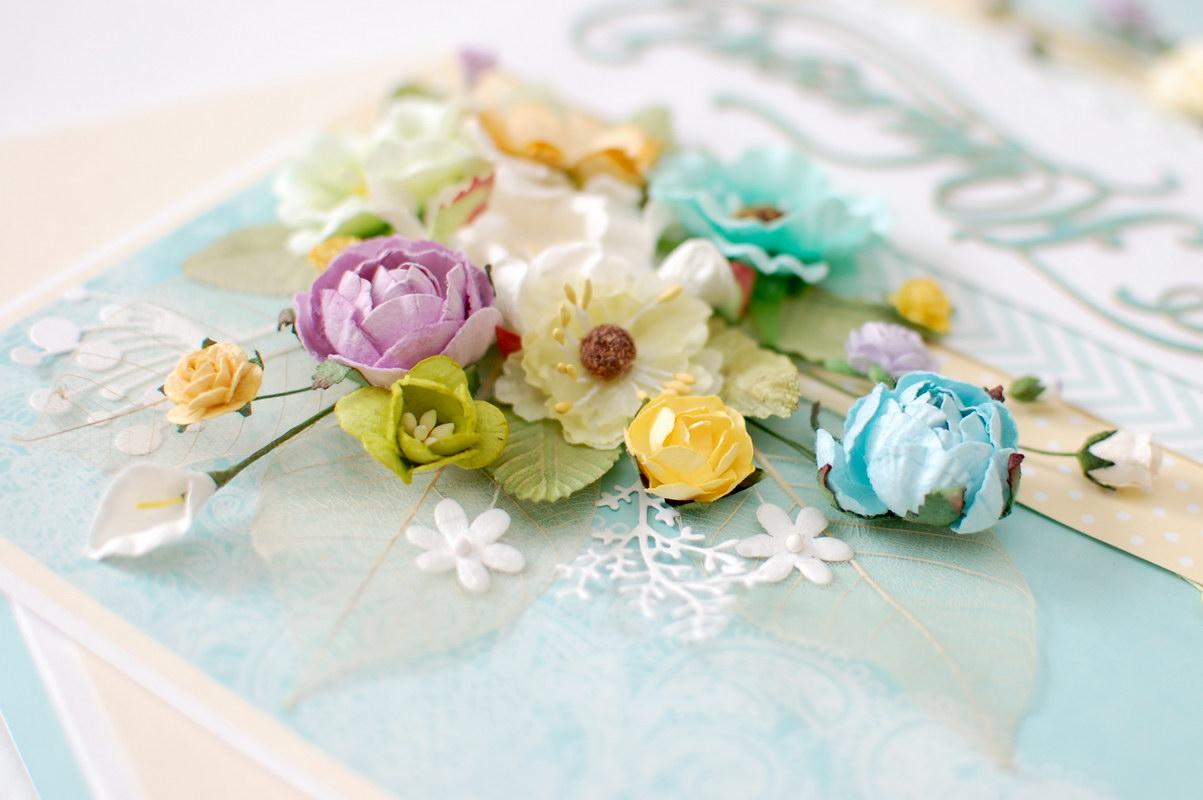 фото цветочного декора на открытке