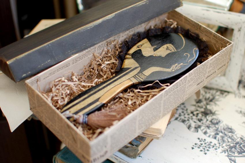 дамское зеркало в подарочной коробке