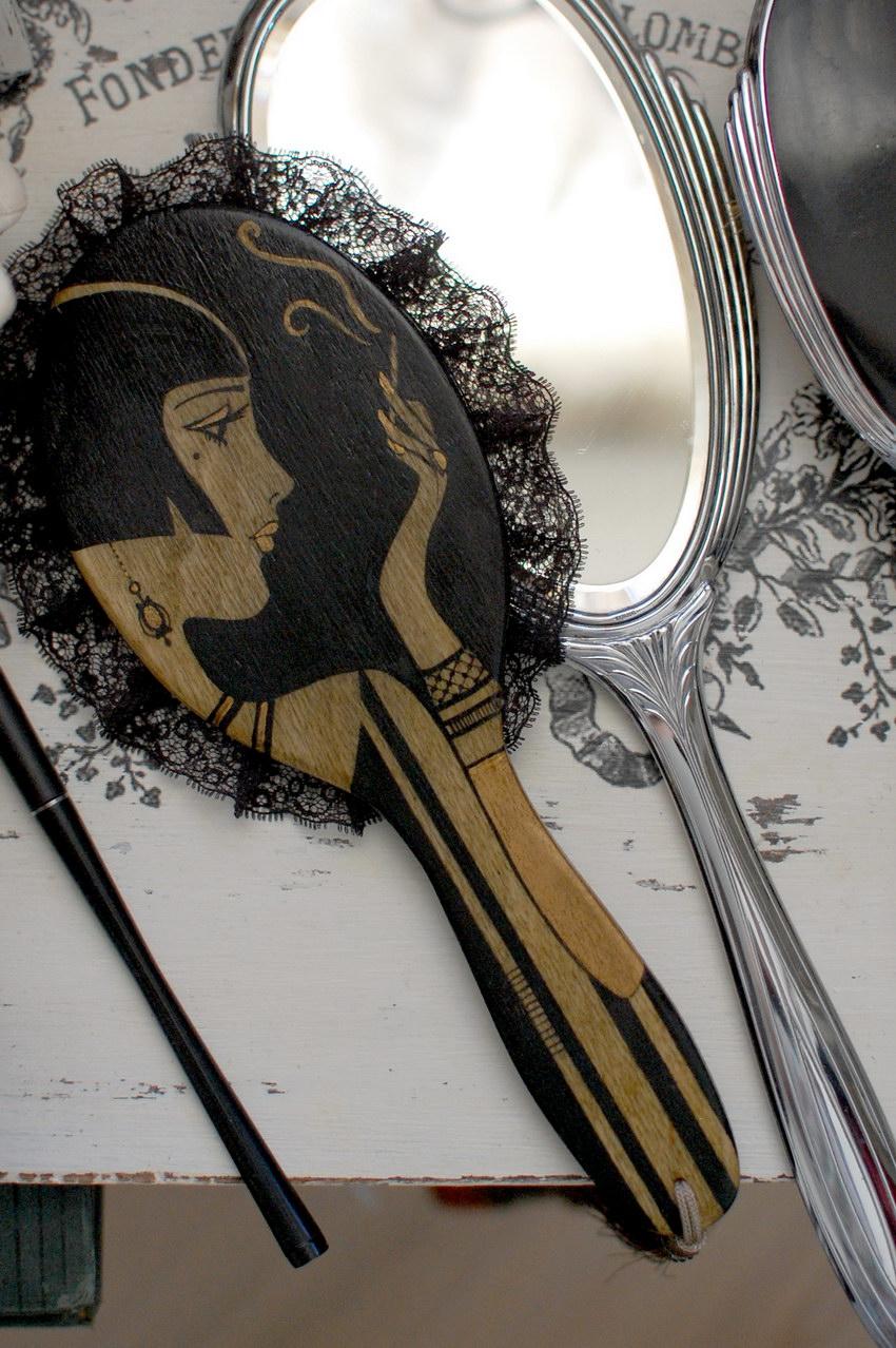 стильное зеркальце для девушки