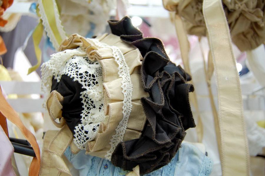 одежда для кукол на выставке